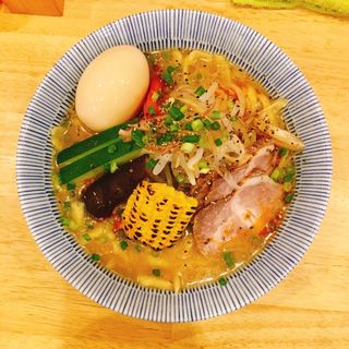 夏野菜の冷やしみそらーめん、味玉トッピング(肉中華そばムタヒロ)