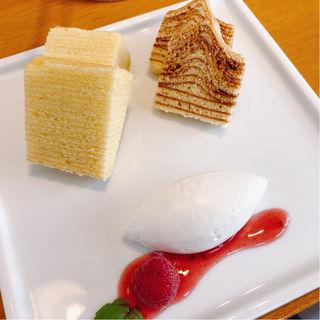 ケーキセット バームクーヘンナチュラル&クラシック(フラウアツコかやしな 天神本店)