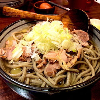 冷たい鶏蕎麦 特盛(肉和食と蕎麦 ほねぎし)