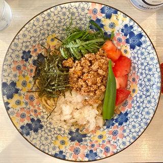 限定麺 自家製ポン酢の冷しまぜそば 並(ざいとん )