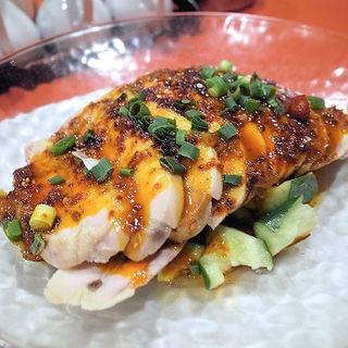 蒸し鶏の特製辛ソース(口水鶏)(永利 池袋本店 (エイリ))