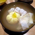 蛤入り海老のしんじょうと生麩の碗