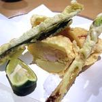 竹の子と海老のしんじょうの揚げ物