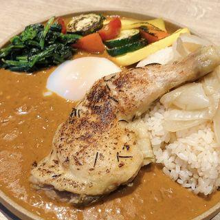 農家のカレー(トッピング:一晩じっくり煮込んだ若鶏のコンフィ、半熟卵)(michiru  by  plein)