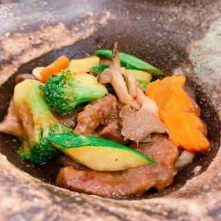 和牛と旬野菜のオイスターソース炒め(中華Dining 昌華)