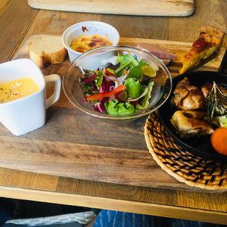 プレートランチ ローストチキン(ブリックカフェ (BRICK CAFE))