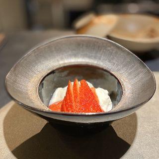 苺と酒粕のブランマンジェ(ことわりをはかるみせ ばんどう)
