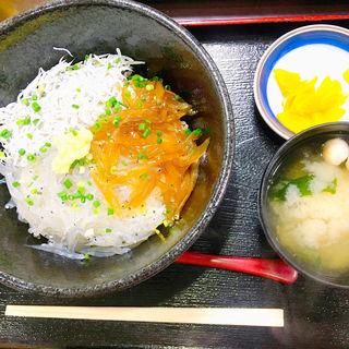 三色しらす丼(ハルミ食堂)