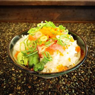 ミニ雲丹トロ飯(うどん もちこし)