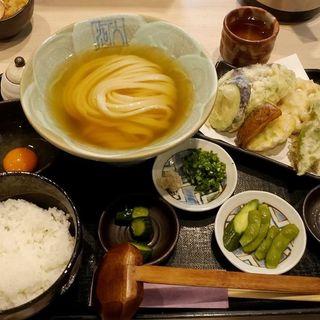 ひやかけの野菜天セット(本格手打うどん 大河)