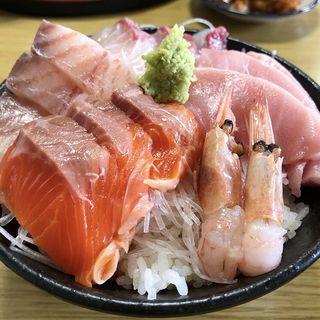 海鮮丼(ドライブイン よしだ )