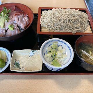 マグロ丼とそばセット(まるよ 東条店 )