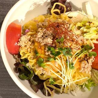 冷やしタンタンサラダー麺(Ken's China Yummy(ヤミィ))