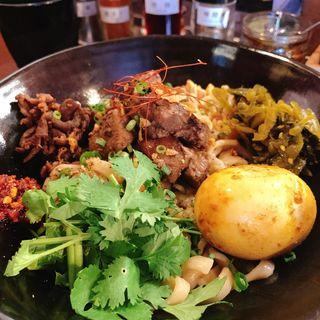 味玉魯肉麺(スパイス飯麺 兄弟舎)
