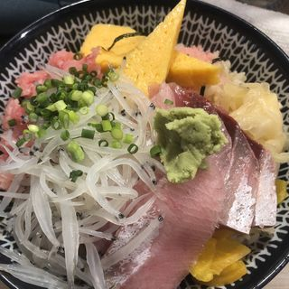 三色丼(鮨処扇)