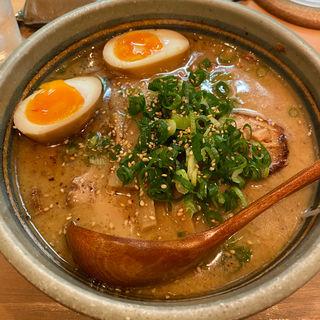 とんこつ醤油チャーシュー麺(あまのじゃく 垂水店 )