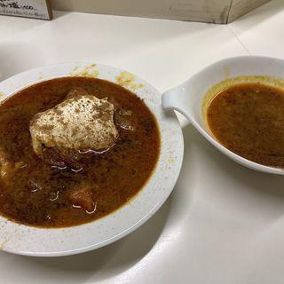 季節のスープカレー初夏(真夏のスリランカ) とっぴんぐ:かれーたまご、チーズ、スパイシーひき肉(かれーの店 うどん)
