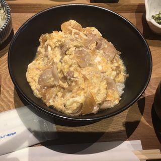 白王豚と滋養卵の玉子とじ丼(築地まる武食堂 人形町店)