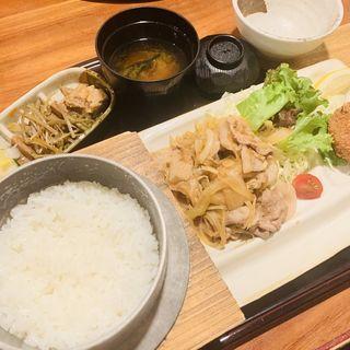 豚の生姜焼き(根津 みるくの豚)