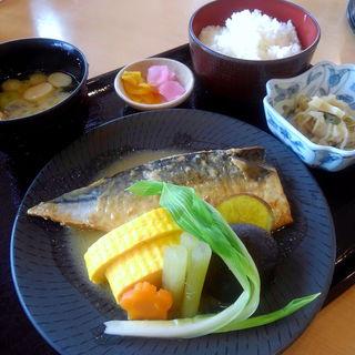 サバ味噌煮定食(なっぱはうす )