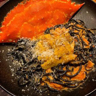 雲丹と渡り蟹のトマトクリームパスタ