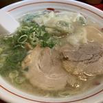 ワンタン麺(長浜屋台 やまちゃん 銀座店)