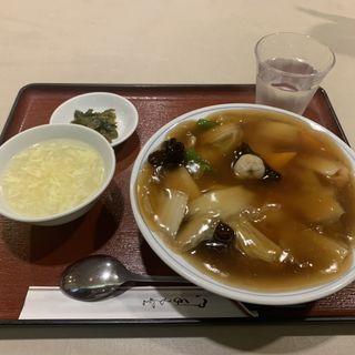 中華丼ランチ(陳さんの盛興飯店)