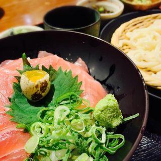 鉄火丼とざるうどんの定食(北海道料理 弁天別館 )
