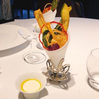 野菜クリスプのブーケと豆腐サワークリーム(レフェルヴェソンス)