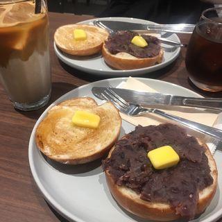 メープル&あんバターベーグルトースト(AUCK'S COFFEE)