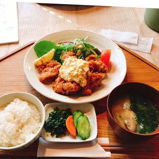 地鶏チキン南蛮定食(阿波尾鳥)