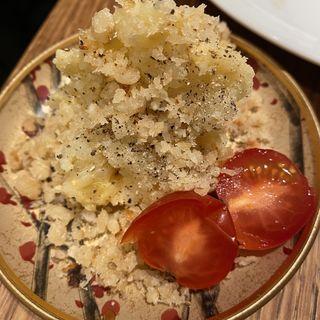 金沙粉 燻製ポテサラ