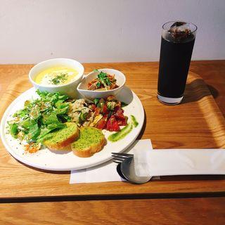 DELI 3品とスープとバケット(porte cafe(ポルトカフェ))