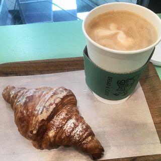 平日のパンとコーヒーのお得セット(BREAD & CAFE)