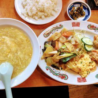 Aランチ(八宝菜 芙蓉蟹 唐揚げ  コーンスープ付)