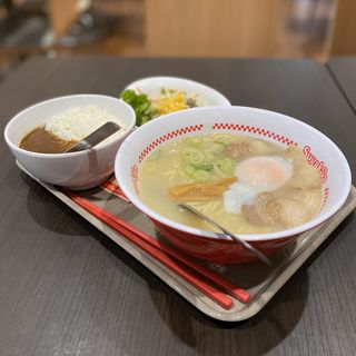 特製ラーメン(カレー・サラダセット)(スガキヤ 名西ヨシヅヤ店 )
