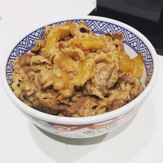 肉だく胡麻ドレ牛丼(吉野家 お茶の水店 )