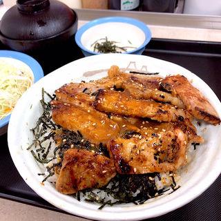 味噌漬けトンテキ丼 生野菜セット とろろ(松屋 喜多見店)