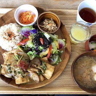 高野豆腐と野菜のゴマ生姜焼き