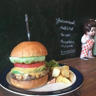 アボカドベーコンチーズバーガー(Dexter Diner)