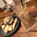 自家製チーズ豆富とバケット(多喜 (TAKI))