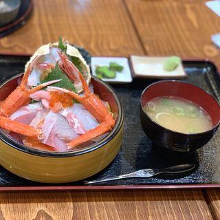 特選海鮮丼単品(丼、汁、漬け物付き)