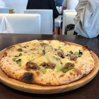 野沢菜と豚挽肉のピザ