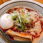 大人の坦々麺(煮玉子トピ)