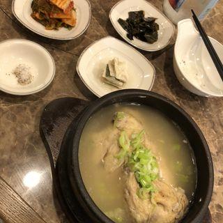 参鶏湯(焼肉善玉)