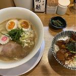 鶏そば醤油 チャーシュー丼セット 味玉