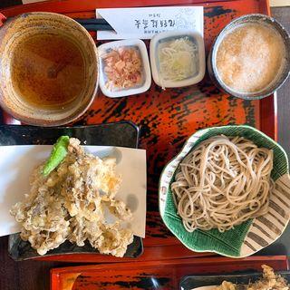 昇竜舞茸の天ぷらとおろし蕎麦(九頭龍蕎麦 )