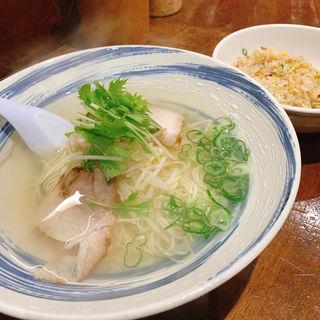 Cセット(ラーメン+ミニ焼き飯)