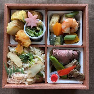 ローストビーフと松茸御飯のお弁当(なだ万厨房 そごう横浜店 )