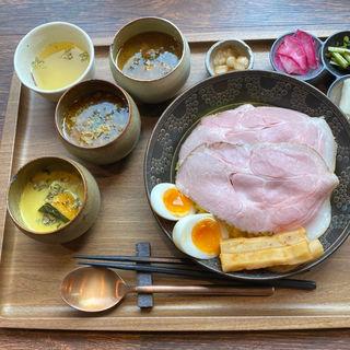 3種出汁カレー定食(お出汁とスパイス魁エレクトロ二カレー)